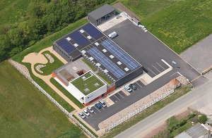 Photovoltaïc systems on flat roofs